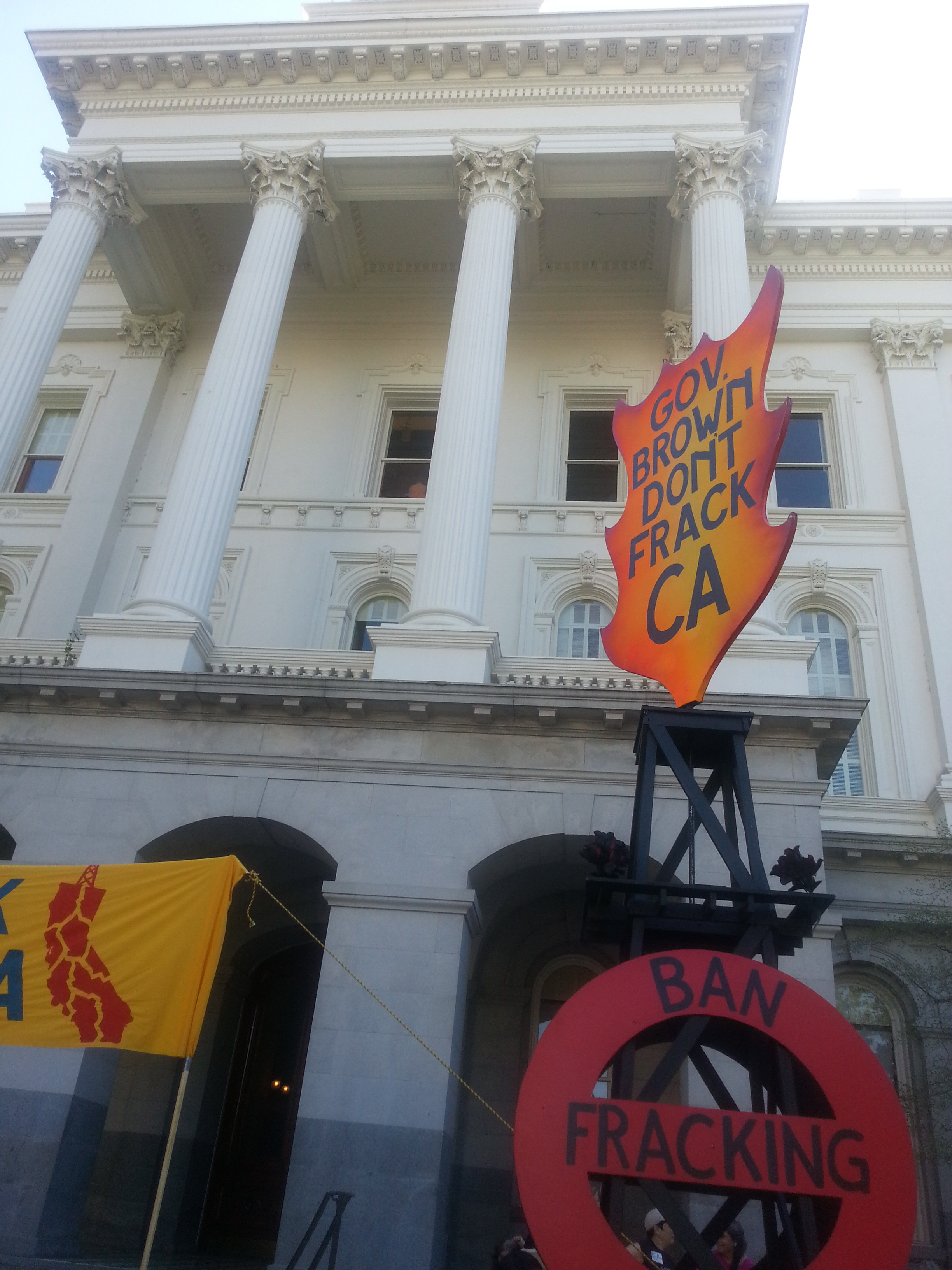 Message 'Ban Fracking' on the front lawn of the Capitol in Sacramento, March 15th.