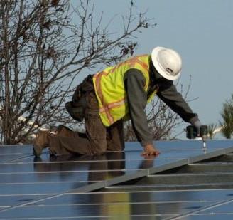 Solar-Panel-InstallationW-1024x551 Crop